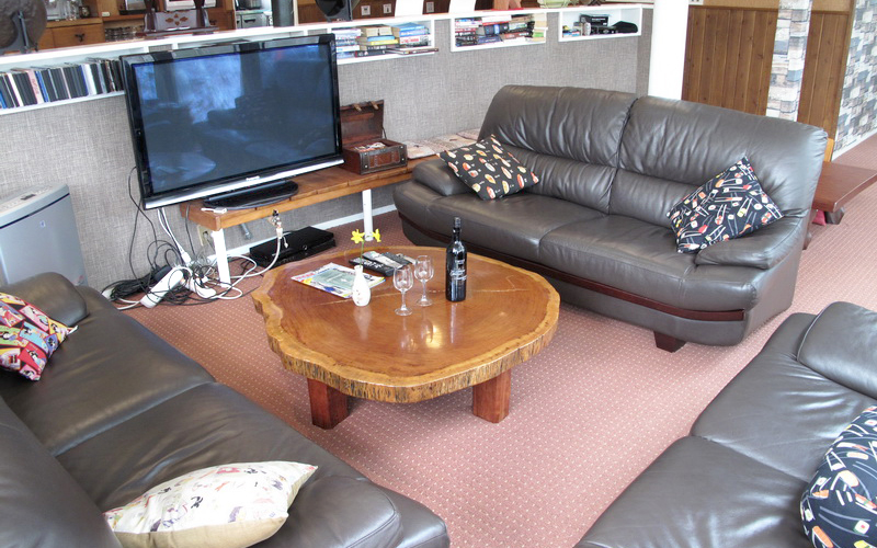 TV-and-lounge-area.JPG